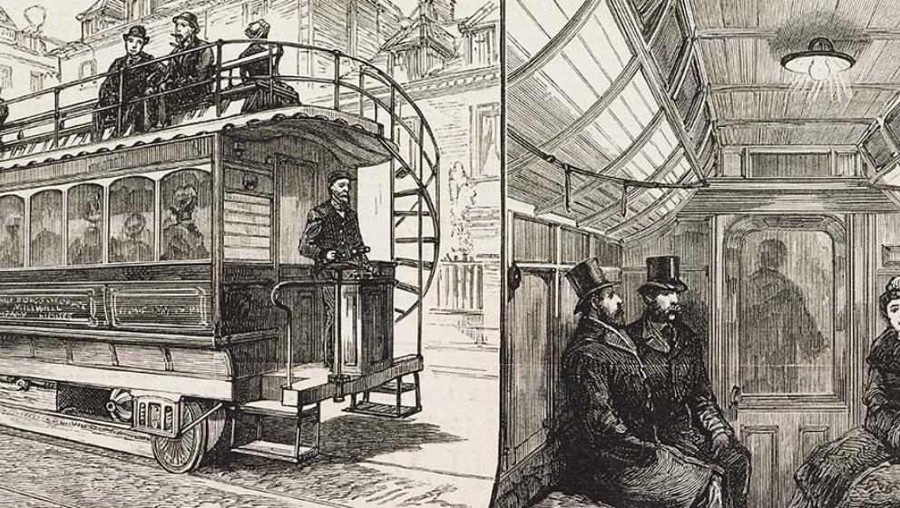 svartvit teckning av gammalt tåg, insidan och utsidan. Med passagerare.